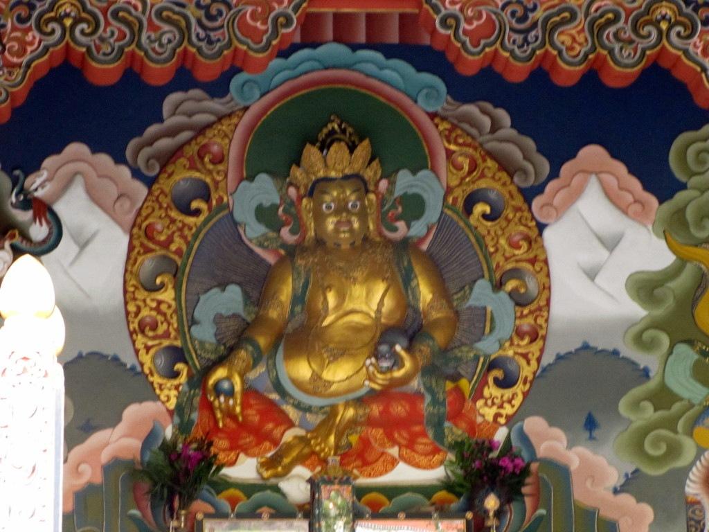 buddhist god sculptur