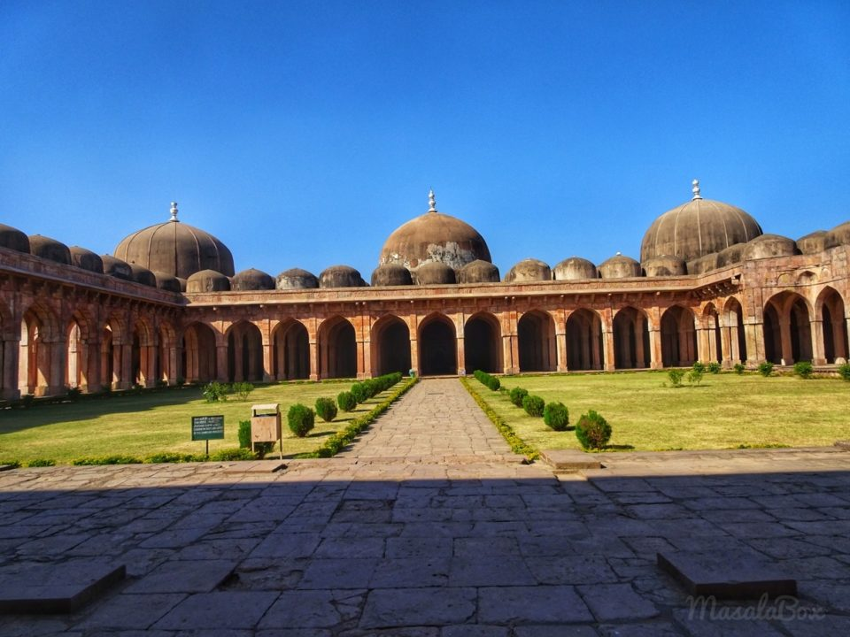 Mandu – Travel Guide to The City of Joy and Pleasure