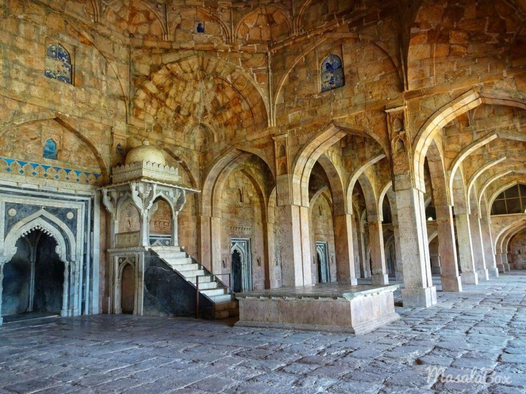 jami masjid pulpit